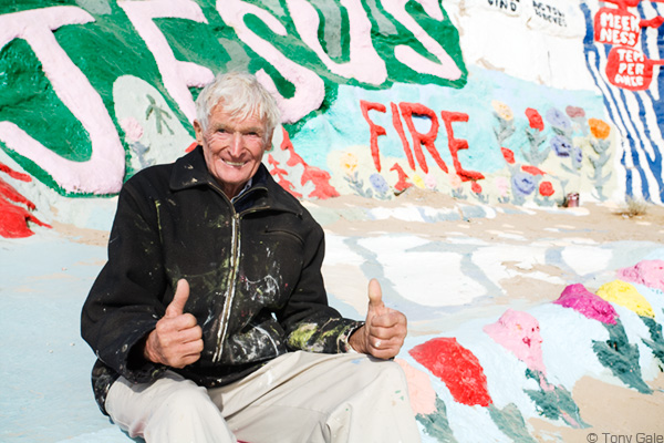 Leonard Knight at Salvation Mountain © Tony Gale